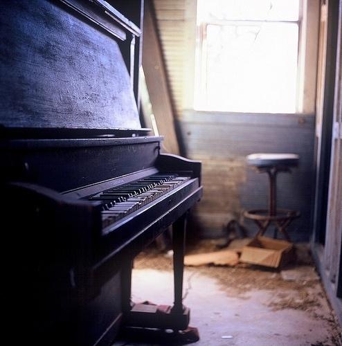 悲伤逆流成河 钢琴曲