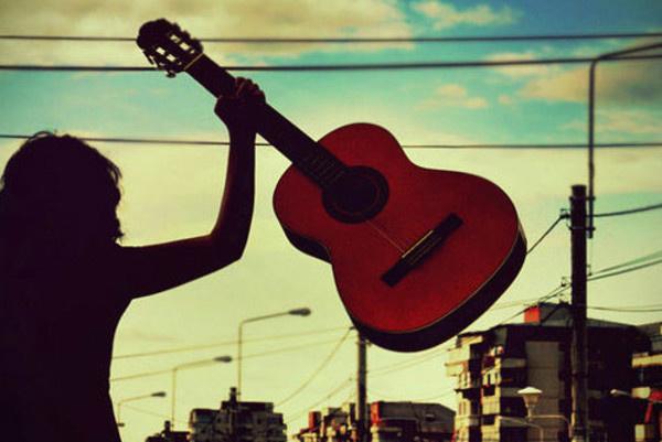 摇滚吉他头像背影