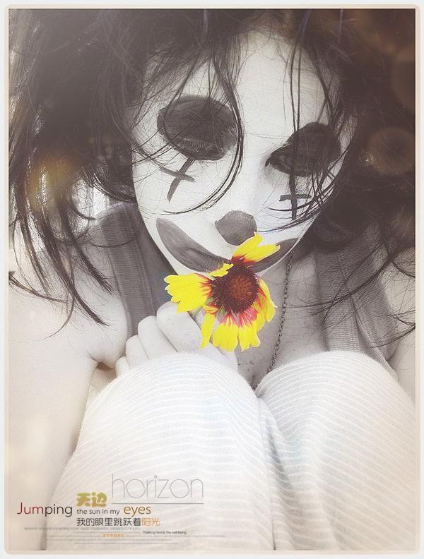 小丑 忧伤 面具/城市里的小丑·面具下的忧伤
